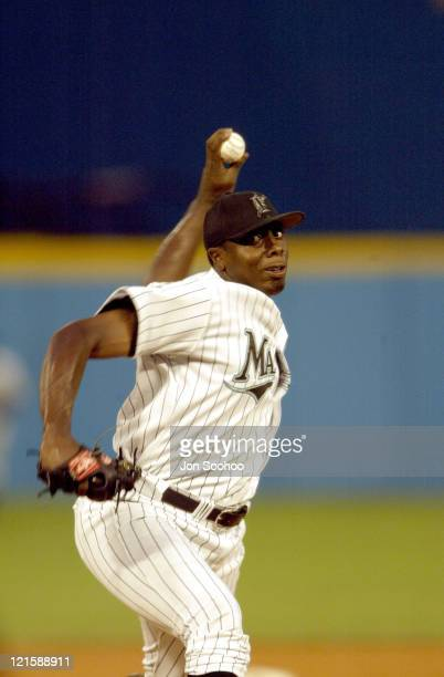 Marlins starter Dontrelle Willis Dodgers won 93 during Los Angeles Dodgers at Florida Marlins August 11 2003 at Pro Player Stadium in Miami FL