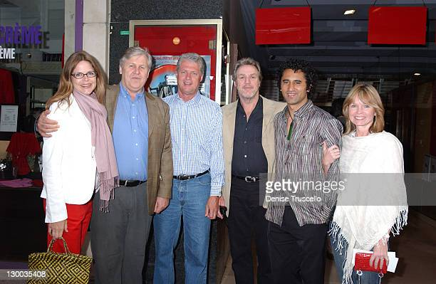 Marlisa Donaldson Don Reynolds Roger Donaldson Geoff Dixon and Cliff Curtis