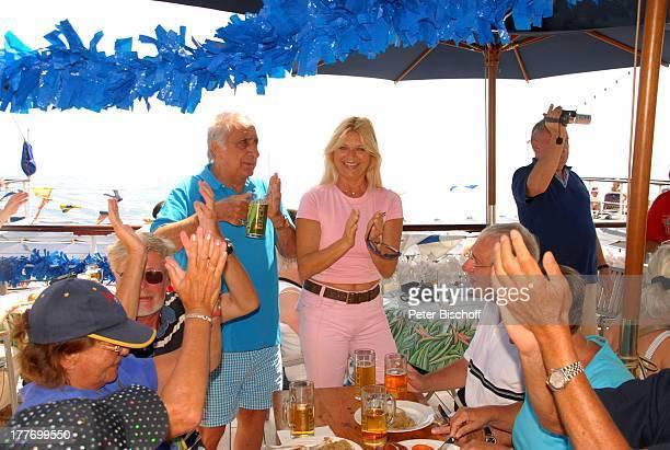"Marlne Charell , Ehemann Roger Pappini , Urlaubs-Gäste, Jazz-Frühschoppen mit "" F r ä u l e i n M a y e r s H i n t e r h a u s j a z z e r"",..."