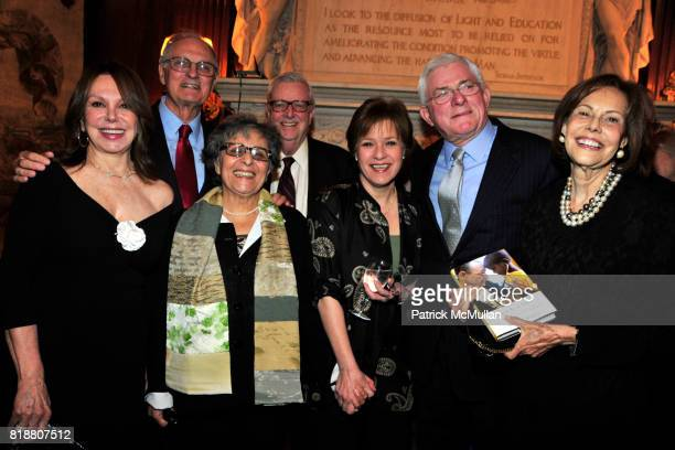 Marlo Thomas Alan Alda Arlene Alda Phil Donahue and Barbara Goldsmith attend Book Signing for Marilyn Berger's This Is A Soul The Mission of Rick...