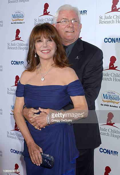 Marlo Thomas and Phil Donahue during Runway For Life Benefiting St Jude Children's Research Hospital Sponsored by Disney's The Little Mermaid DVD and...