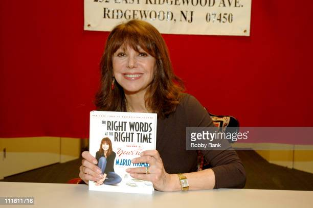 """Marlo Thomas during Marlo Thomas Signing """"The Right Words at the Right Time Volume 2"""" at Bookends in New Jersey at Bookends in Ridgewood, New Jersey,..."""