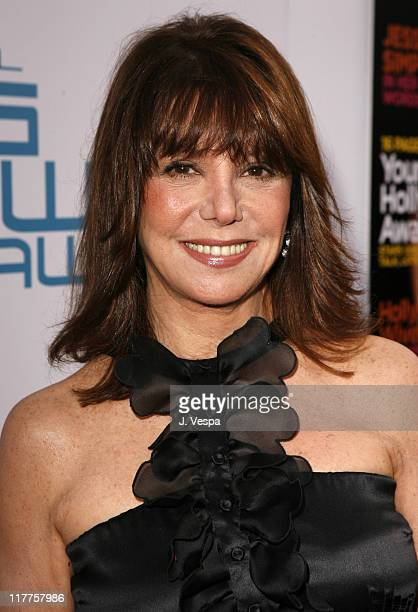 Marlo Thomas during Movieline's Hollywood Life 8th Annual Young Hollywood Awards Red Carpet at Music Box at the Fonda in Hollywood California United...