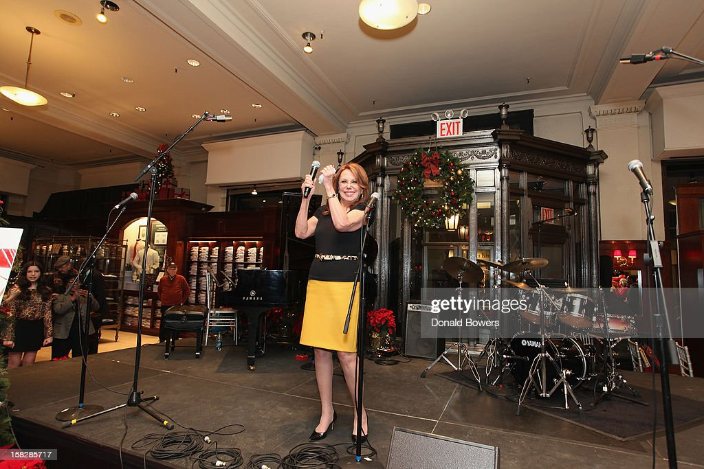 Marlo Thomas gives an introductary speech during The Brooks Brothers Hosts Seventh Annual Holiday Celebration To Benefit St Jude Children's Research Hospital on December 12, 2012 in New York City.
