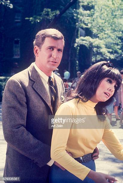 Marlo Thomas with Ted Bessell from the TV show That Girl circa 1970 New York