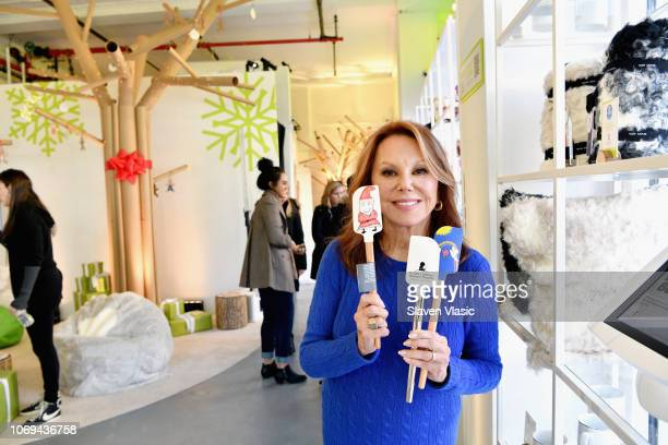 Marlo Thomas with Williams Sonoma's Patient Art Spatulas benefitting St Jude Children's Research Hospital at the Thanks and Giving Pop Up in New York...