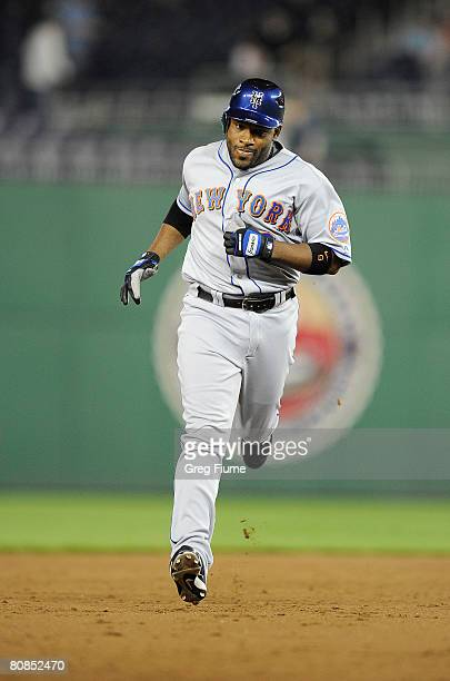 Marlon Anderson of the New York Mets rounds the bases after hitting a home run against the Washington Nationals April 24 2008 at Nationals Park in...