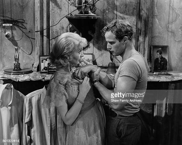 """Marlon Brando and Vivien Leigh in 1951 during the filming of """"A Streetcar Named Desire"""" in Los Angeles, California."""
