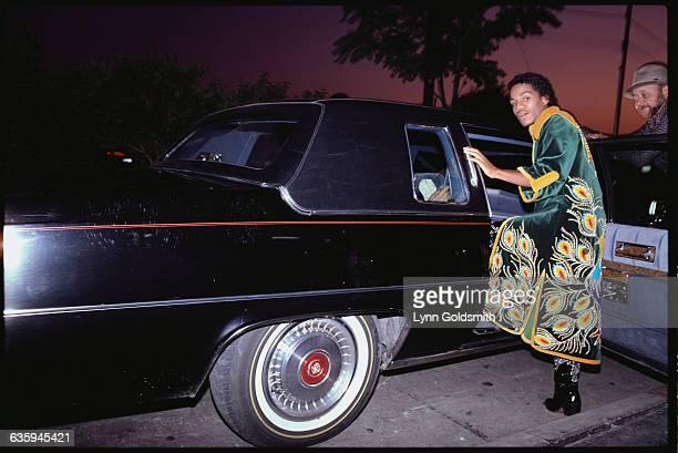 Marlon Jackson Entering Limousine