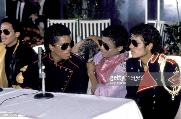 Marlon Jackson, Jermaine Jackson, Randy Jackson and Michael Jackson of The Jacksons attend Victory Tour Press Conference on November 30, 1983 at...