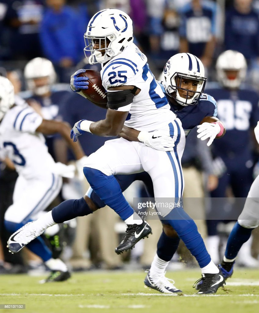 Marlon Mack #25 of the Indianapolis Colts runs with the ball against the Tennessee Titans at Nissan Stadium on October 16, 2017 in Nashville, Tennessee.