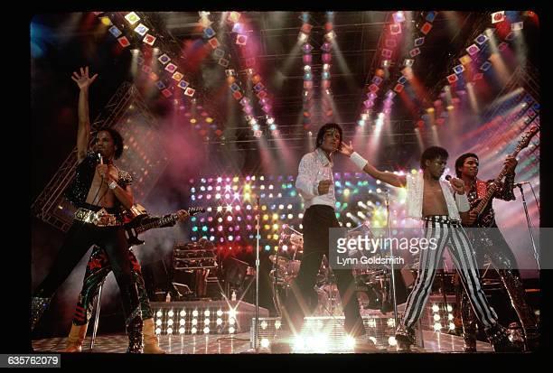 Marlon Michael Randy and Jackie Jackson perform on the Jackson's Victory Tour