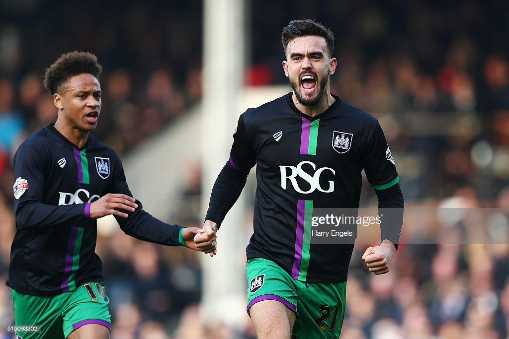 Marlon Pack of Bristol City celebrates scoring the equalising goal during the Sky Bet Championship match between Fulham and Bristol City at Craven Cottage on March 12, 2016 in London, United Kingdom.