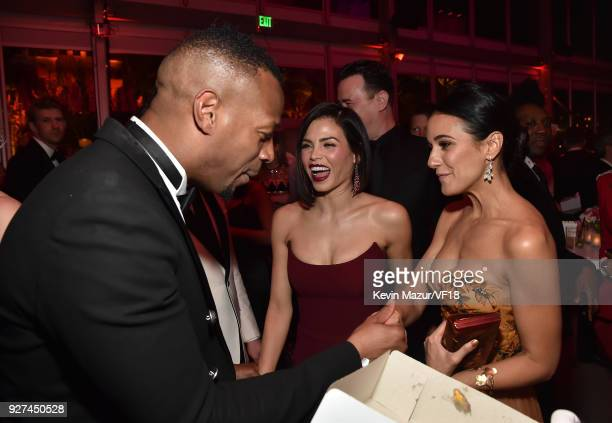 Marlon Wayans Jenna Dewan and Emmanuelle Chriqui attend the 2018 Vanity Fair Oscar Party hosted by Radhika Jones at Wallis Annenberg Center for the...