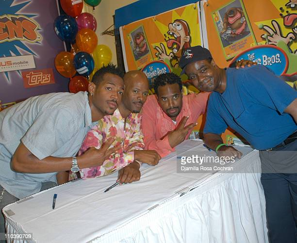 Marlon Wayans Keenen Ivory Wayans and Shawn Wayans with fan