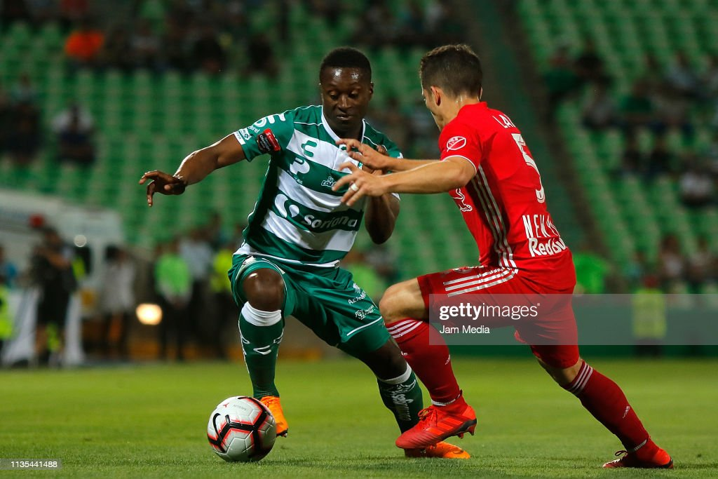 Santos v Red Bulls NY - CONCACAF Champions League 2019 : News Photo