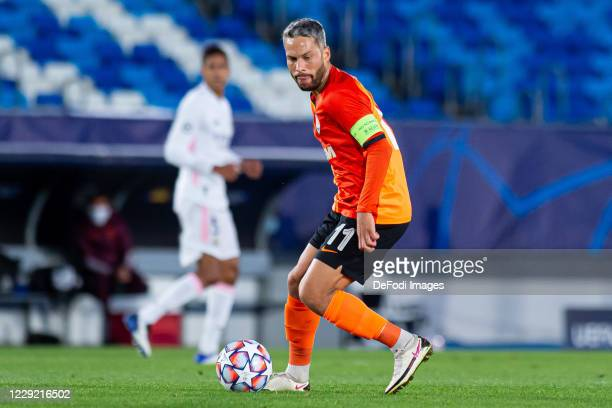 Marlos of FC Shakhtar Donetsk controls the ball during the UEFA Champions League Group B stage match between Real Madrid and Shakhtar Donetsk at...