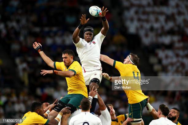 Maro Itoje of England claims a lineout ahead of Rory Arnold and Izack Rodda of Australia during the Rugby World Cup 2019 Quarter Final match between...