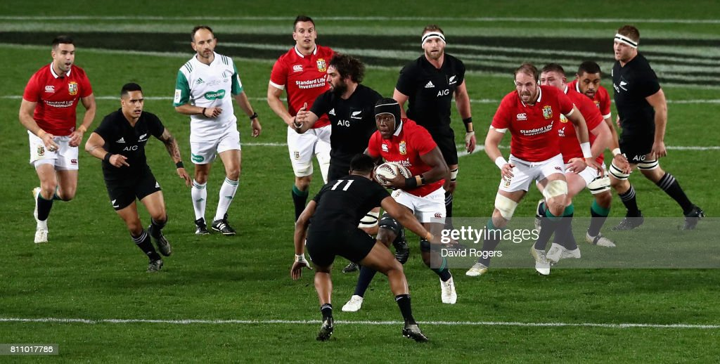 Maro Itoje of the Lions breaks with the ball during the Test match between the New Zealand All Blacks and the British & Irish Lions at Eden Park on July 8, 2017 in Auckland, New Zealand.