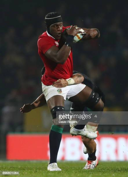 Maro Itoje of the Lions is tackled by Liam Messam of the Maori All Blacks during the 2017 British Irish Lions tour match between the Maori All Blacks...