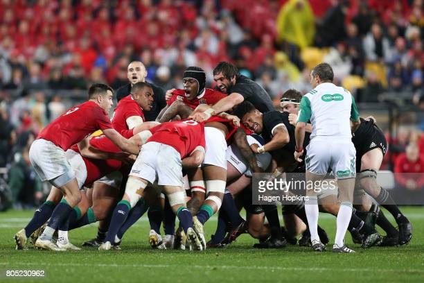 Maro Itoje of the Lions talks to his teammates in a maul during the International Test match between the New Zealand All Blacks and the British Irish...