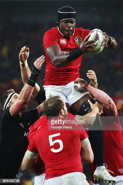 Maro Itoje of the Lions wins lineout ball during the International Test match between the New Zealand All Blacks and the British Irish Lions at...