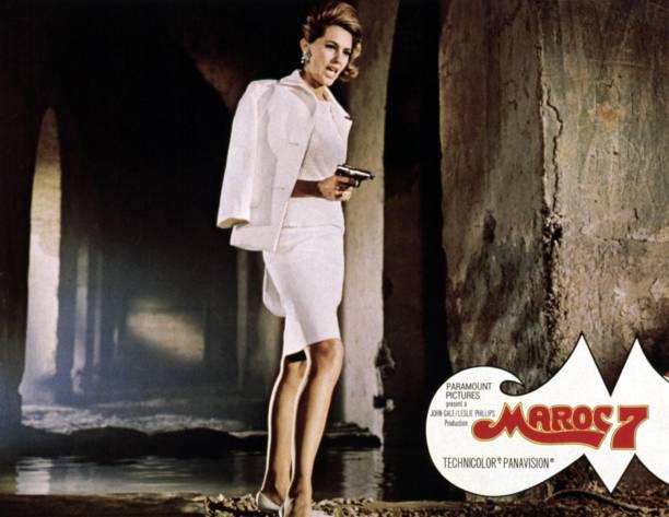 maroc-7-lobbycard-cyd-charisse-1967-pict