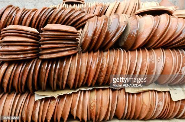 Maroc Marrakech le souk des artisants de Bab El Khemis poterie