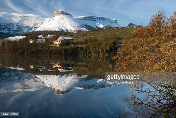 maroño - アラバ県 ストックフォトと画像