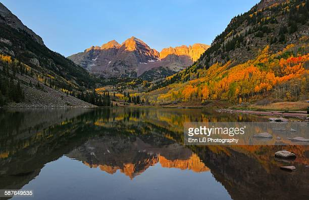 maroon bells alpen glow - maroon bells stock photos and pictures