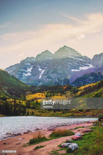 maroon bells and lake at sunset, colorado, usa - natural landmark stock pictures, royalty-free photos & images