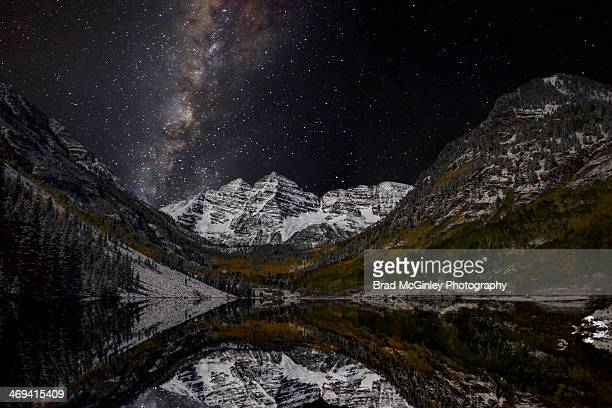 maroon bells and the milky way - maroon bells stock photos and pictures