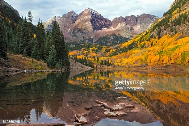 maroon bells at sunrise - aspen colorado stock photos and pictures