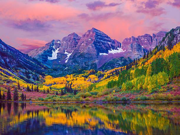 maroon bells autumn aspen trees,lake reflections,aspen colorado - horizontal stock pictures, royalty-free photos & images