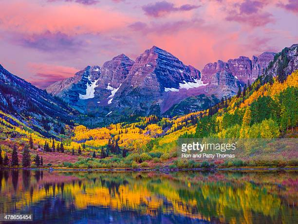 maroon bells autumn aspen trees,lake reflections,aspen colorado - sunset lake stock photos and pictures