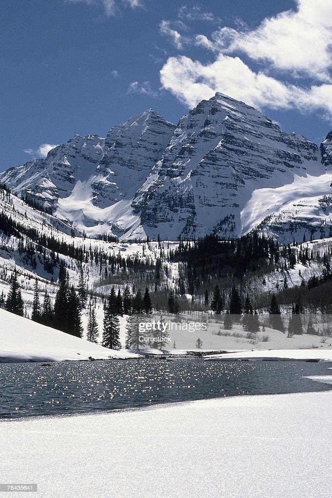 Maroon Bells in Snowmass Wilderness Area : Stockfoto