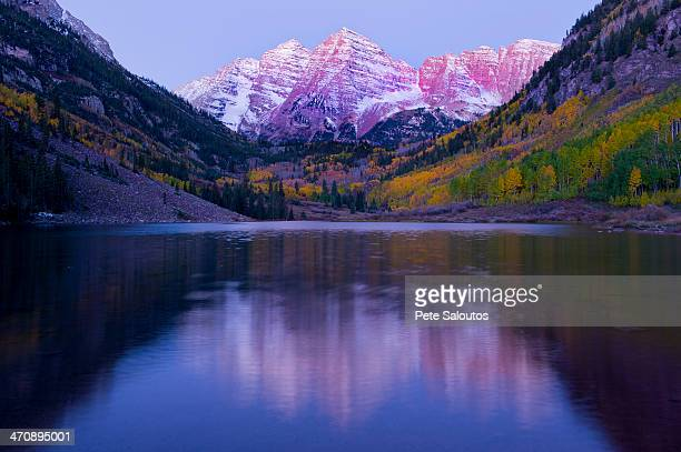maroon bells, maroon lake, aspen, colorado, united states of america - maroon bells stock pictures, royalty-free photos & images