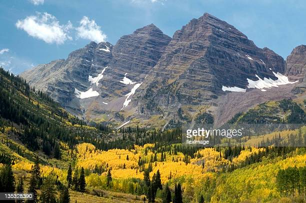 maroon bells with autumn gold - maroon bells stock photos and pictures