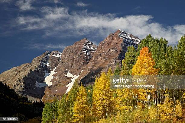maroon bells with fall color, white river national forest, colorado, united states of america, north america - white river national forest stock photos and pictures