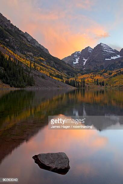 maroon bells with fall colors during a clearing storm in the evening, white river national forest, colorado, united states of america, north america - maroon bells stock photos and pictures