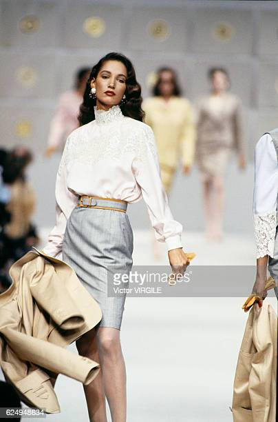 Marpessa Hennink walks the runway at the Valentino Ready to Wear Spring/Summer 1989 fashion show during the Paris Fashion Week on October 1988 in...