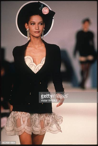 Marpessa Hennink walks the runway during the Chanel Haute Couture show as part of Paris Fashion Week Spring/Summer 19901991 in January 1990 in Paris...