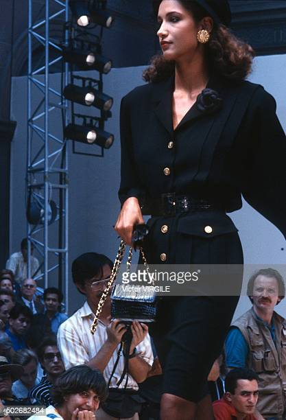 Marpessa Hennink walks the runway during the Chanel Haute Couture show as part of Paris Fashion Week Fall/Winter 19861987 in July 1986 in Paris France