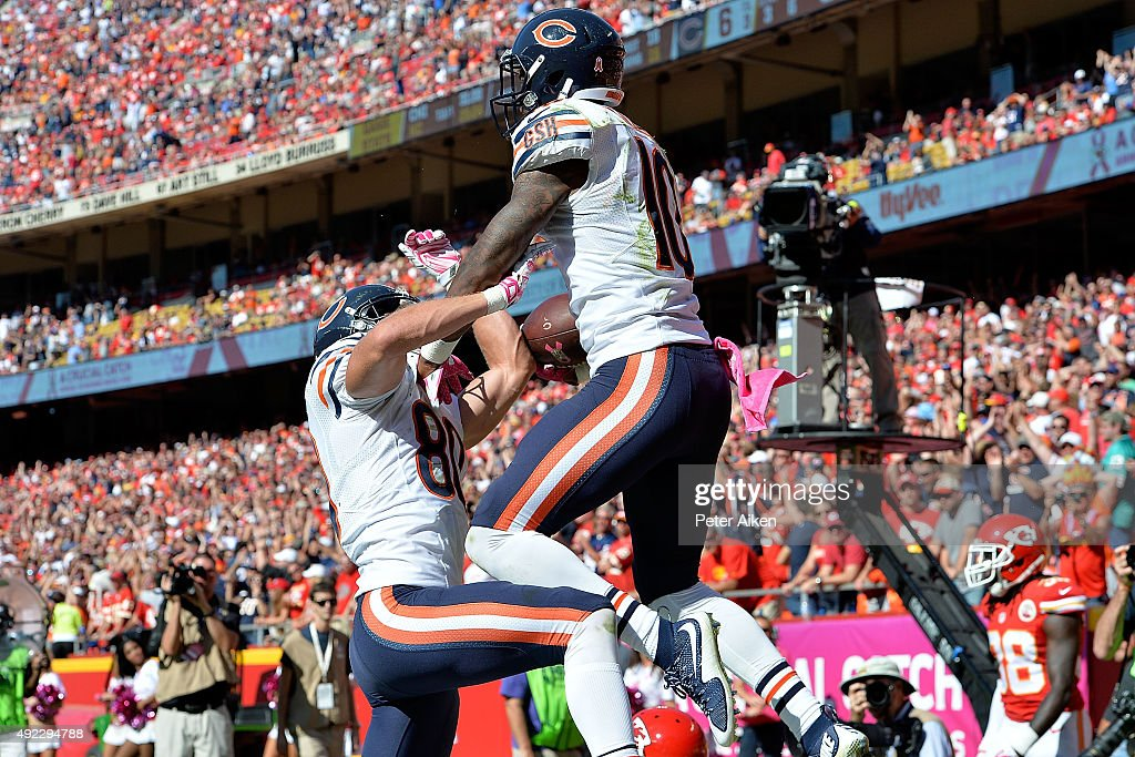 Marquess Wilson #10of the Chicago Bears is congratulated by Marc Mariani #80 of the Chicago Bears after a touchdown catch at Arrowhead Stadium during the game on October 11, 2015 in Kansas City, Missouri.