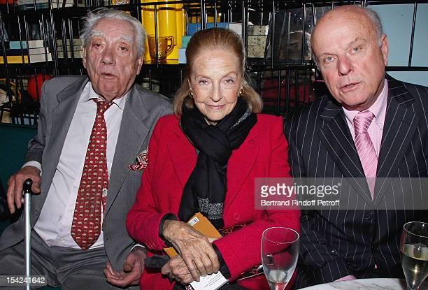 Marquis Pierre de Segur, Doris Brynner and Count Jean de Rohan Chabot attend 'La Conversation' By Jean D'Ormesson at Theatre Hebertot on October 16,...