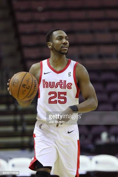 Marquis Teague of the Memphis Hustle handles the ball against Santa Cruz Warriors during an NBA GLeague game on March 10 2018 at Landers Center in...