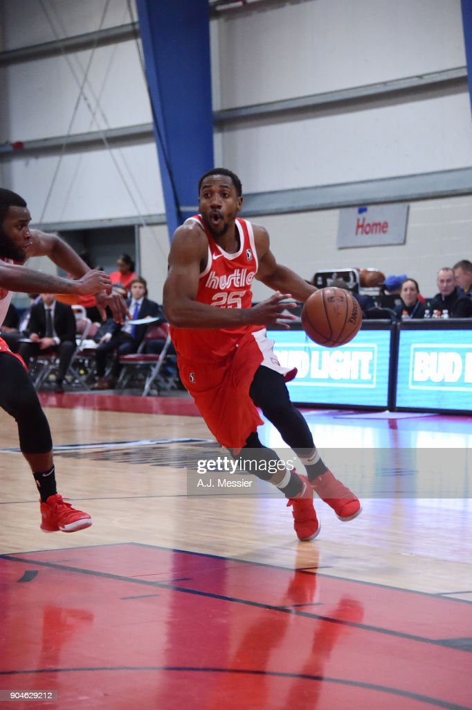 Marquis Teague #25 of the Memphis Hustle handles the ball during the NBA G-League Showcase Game 25 between the Memphis Hustle and the Maine Red Claws on January 13, 2018 at the Mississauga SportZone in Mississauga, Ontario Canada.