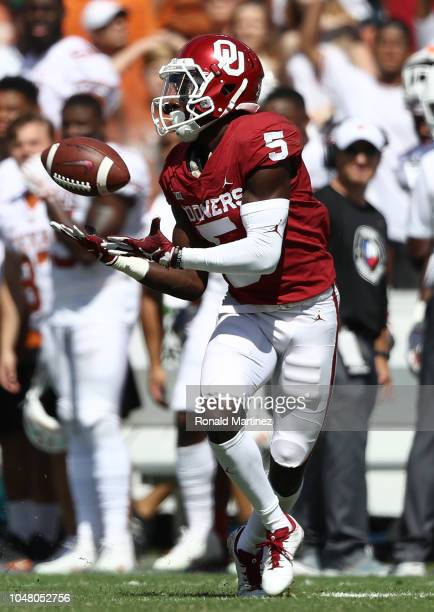 Marquise Brown of the Oklahoma Sooners during the 2018 ATT Red River Showdown at Cotton Bowl on October 6 2018 in Dallas Texas