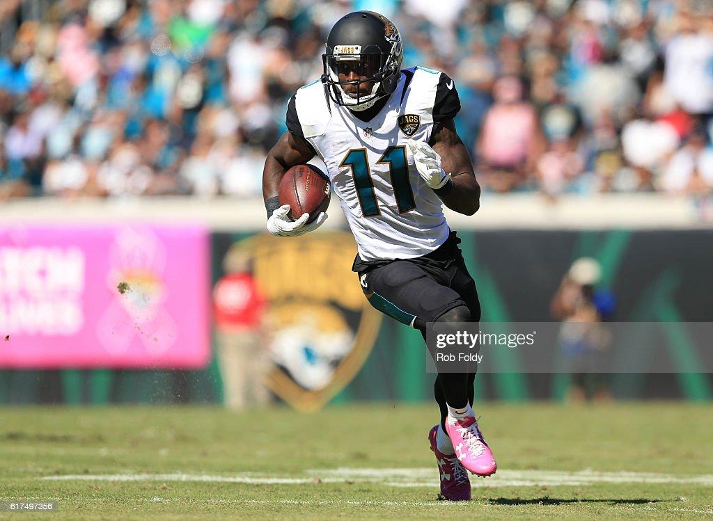 Oakland Raiders v Jacksonville Jaguars : News Photo