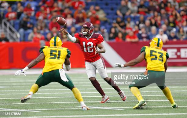 Marquise Williams of the San Antonio Commanders scoops a pass against the Arizona Hotshots at Alamodome on March 31 2019 in San Antonio Texas
